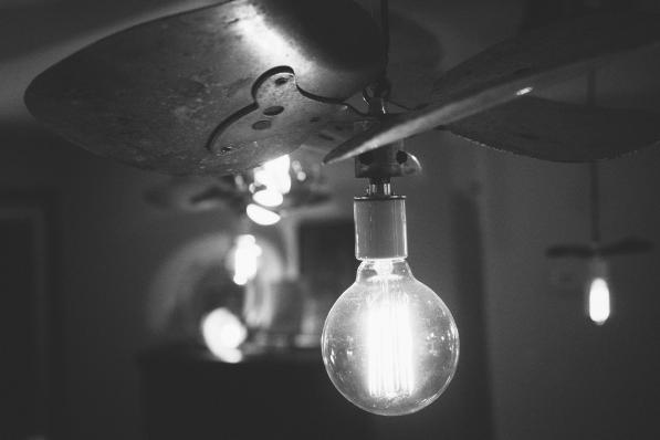 black-and-white-lights-light-bulb-idea